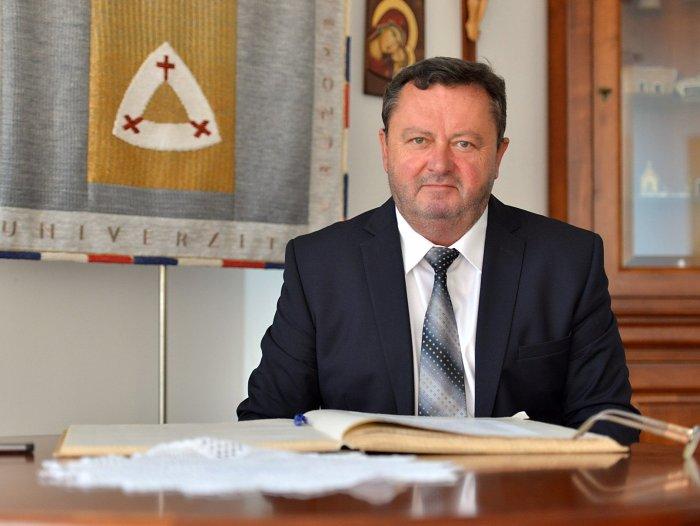 Rektor katolíckej univerzity