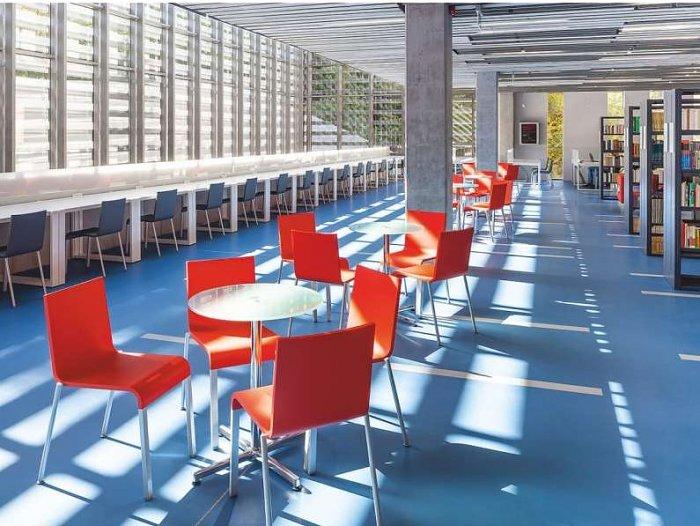 Špičkové vybavenie, moderný kampus a zaručené ubytovanie