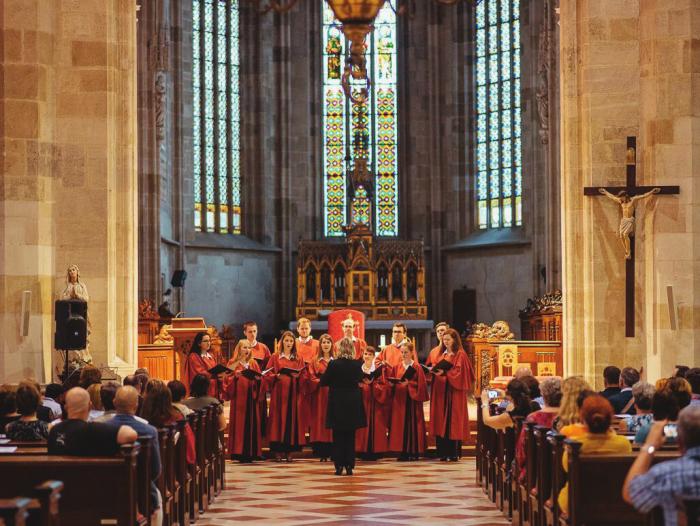 Univerzitný spevácky zbor benedictus